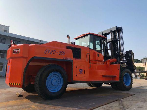 供應巨盾叉車CPCD300叉車